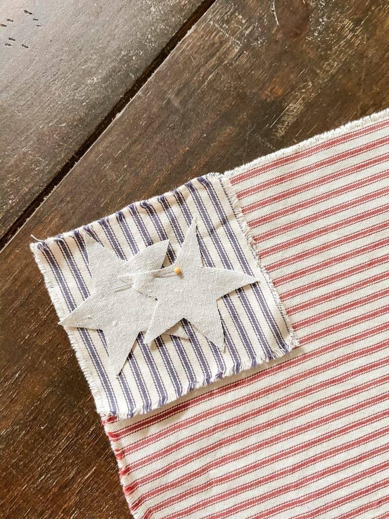 Using scrape fabric make your own DIY Ticking Patriotic Napkins